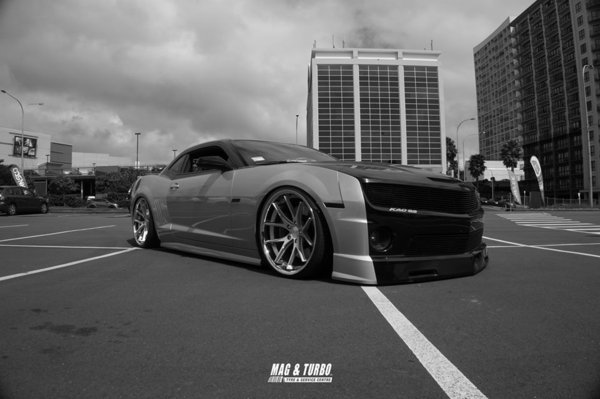 Ferrada Wheels FR2 Machine Silver / Chrome Lip. Size: 22x9.5 & 22x11 2010 Camaro Bagged\\n\\n28/10/2016 13:13