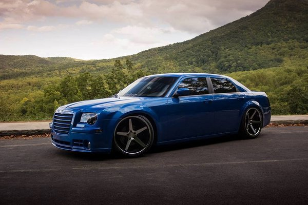 Ferrada Wheels FR3 Machine Black / Chrome Lip. Size: 22x9.5 & 22x11 2006 Chrysler 300\\n\\n28/10/2016 13:14