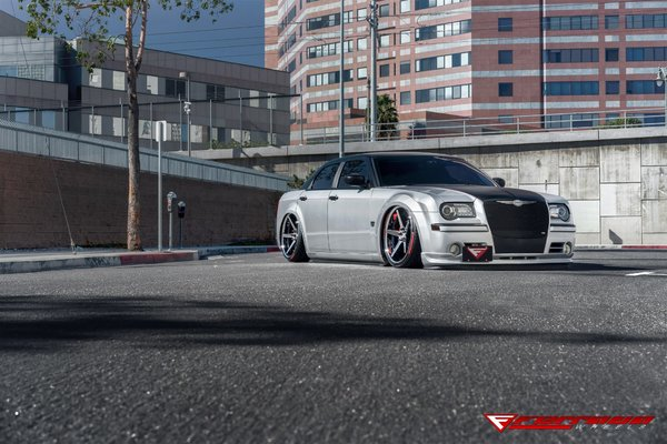 FR3 Machine Black / Chrome Lip. Size: 22x9.5 & 22x11 2006 Chrysler 300 Bagged\\n\\n24/11/2016 12:13