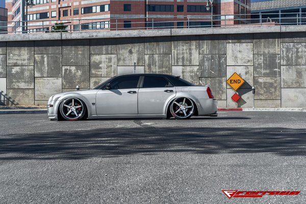 FR3 Machine Black / Chrome Lip. Size: 22x9.5 & 22x11 2006 Chrysler 300 Bagged\\n\\n24/11/2016 12:14