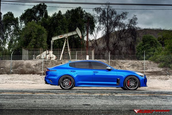Ferrada FORGE-8 F8-FR6 Matte Graphite on the very new 2018 Kia Stinger! The Blue Graphite insanity!! Size: 20x9 & 20x10.5.\\n\\n22/06/2018 10:26