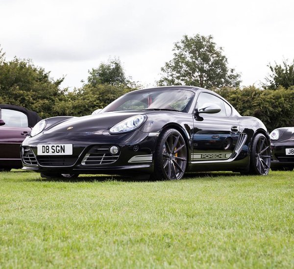 Porsche Cayman R with FFR1's in IW Exclusive Full Brushed Carbon Titanium\\n\\n21/08/2017 09:45